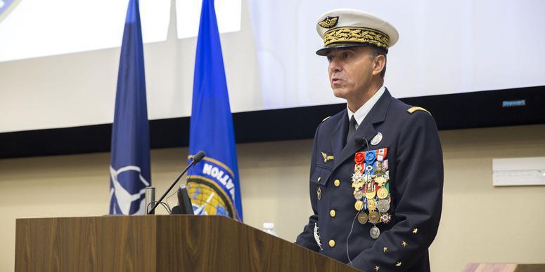 Генерал НАТО обвинил Россию в преследовании спутников США