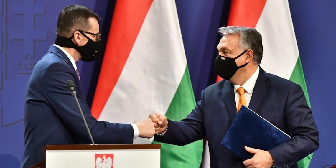 Польша и Венгрия продолжают блокировать европейский бюджет и говорят о распаде ЕС