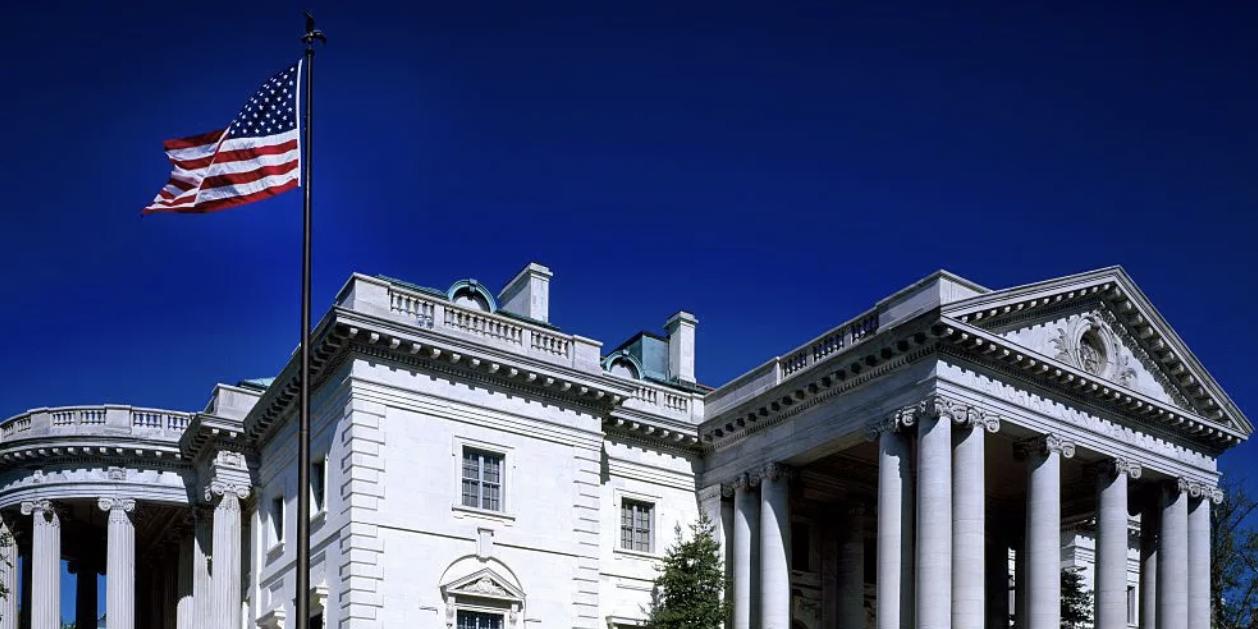 Вашингтон признал саморегулирование онлайн-платформ недостаточным