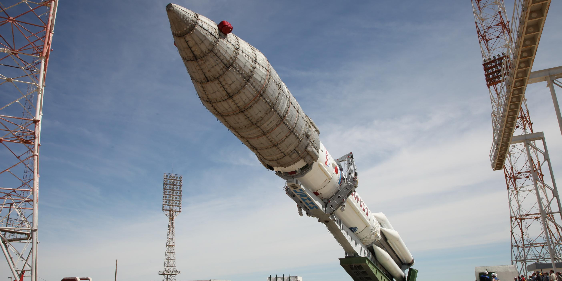 Российские ученые создадут сверхтяжелую ракету для полетов на Луну и Марс