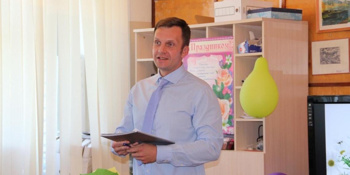 Депутат заступился за главу Пскова, попросив коллег сделать скидку на ее пол