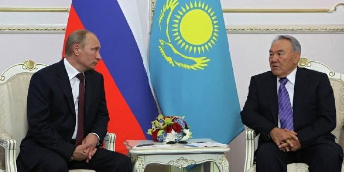 Назарбаев объяснил проблемы Порошенко с законом о статусе Донбасса