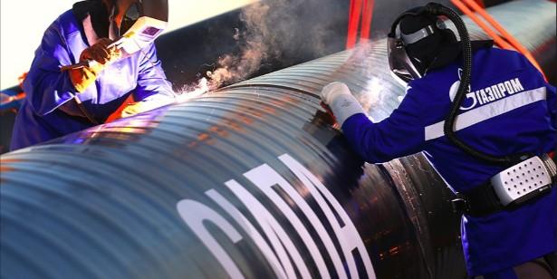 """Газпром вдвое снизил план по строительству """"Силы Сибири"""""""