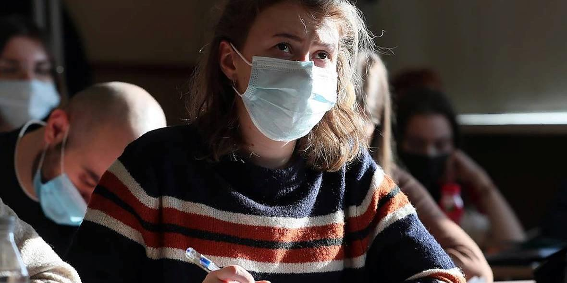 Елена Шмелева и ректоры российских вузов поставили точку в вопросе отмены принудительной вакцинации студентов