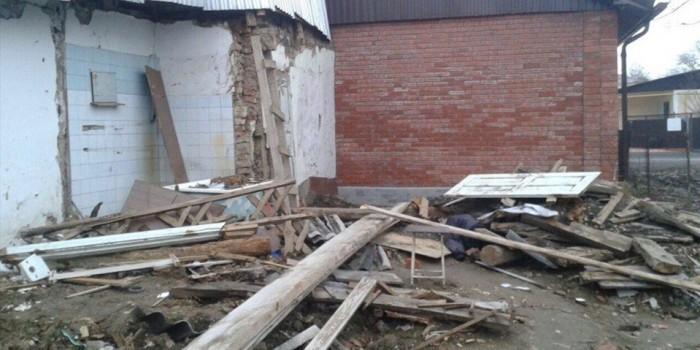 В Армавире бизнесмен снес дом многодетной семьи, пока они были у родственников