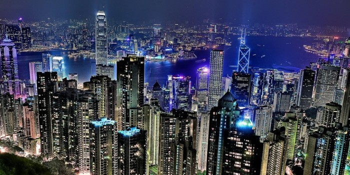 """Bloomberg: российские банки ищут """"наличку"""" в Гонконге, чтобы погасить кредиты"""