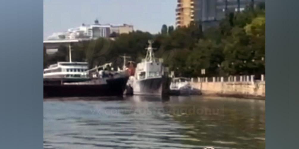 Столкновение двух теплоходов в Ростове попало на видео