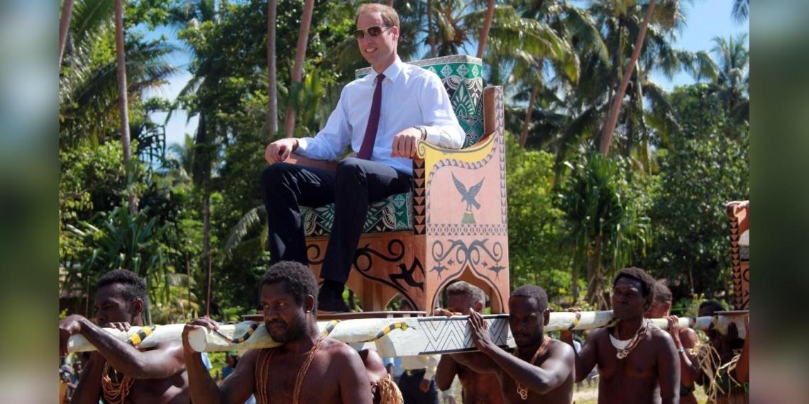 Британский принц отверг заявления о расизме в королевской семье