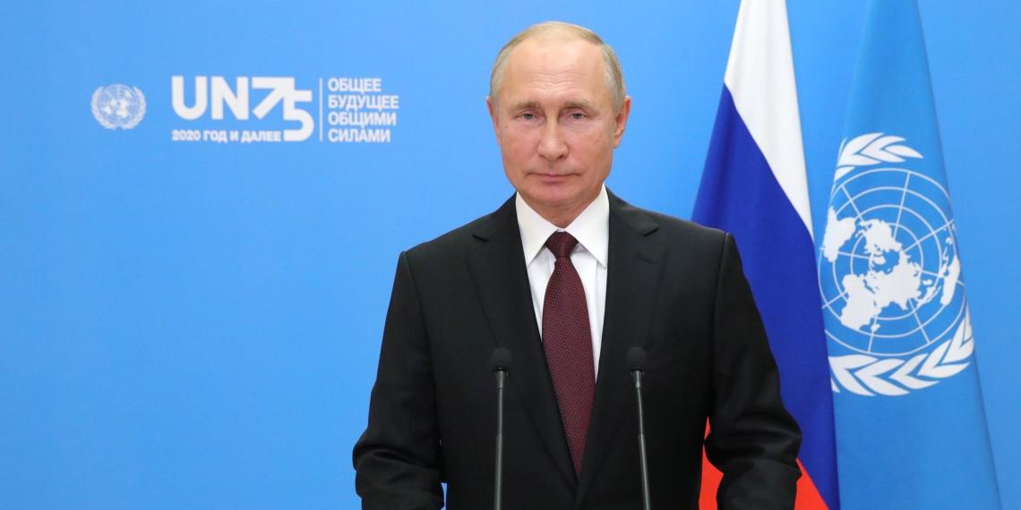 """""""Огромные риски"""": что означает призыв Путина ограничить технологии ради традиций и морали?"""