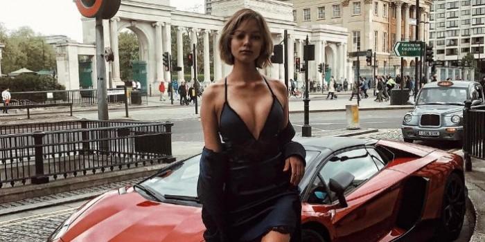 У Алеси Кафельниковой внезапно увеличилась грудь на 3 размера
