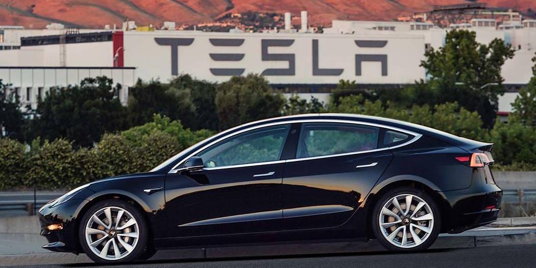 Американские эксперты назвали Tesla самым некачественным автомобилем