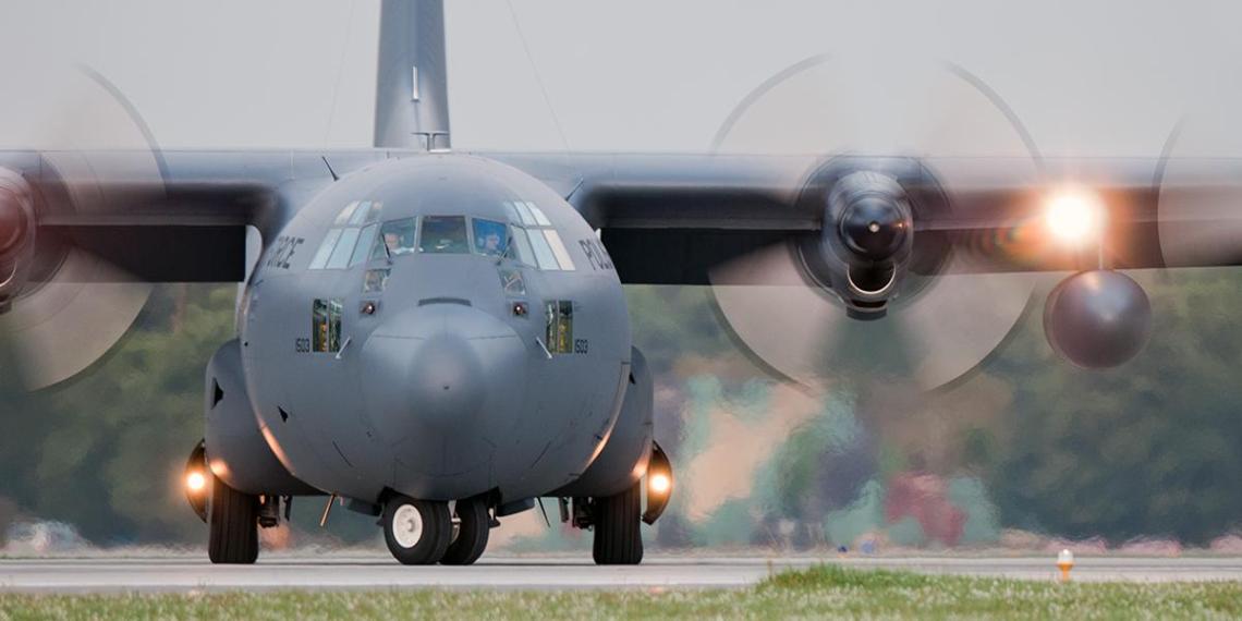Украина приняла три военных транспортника из США