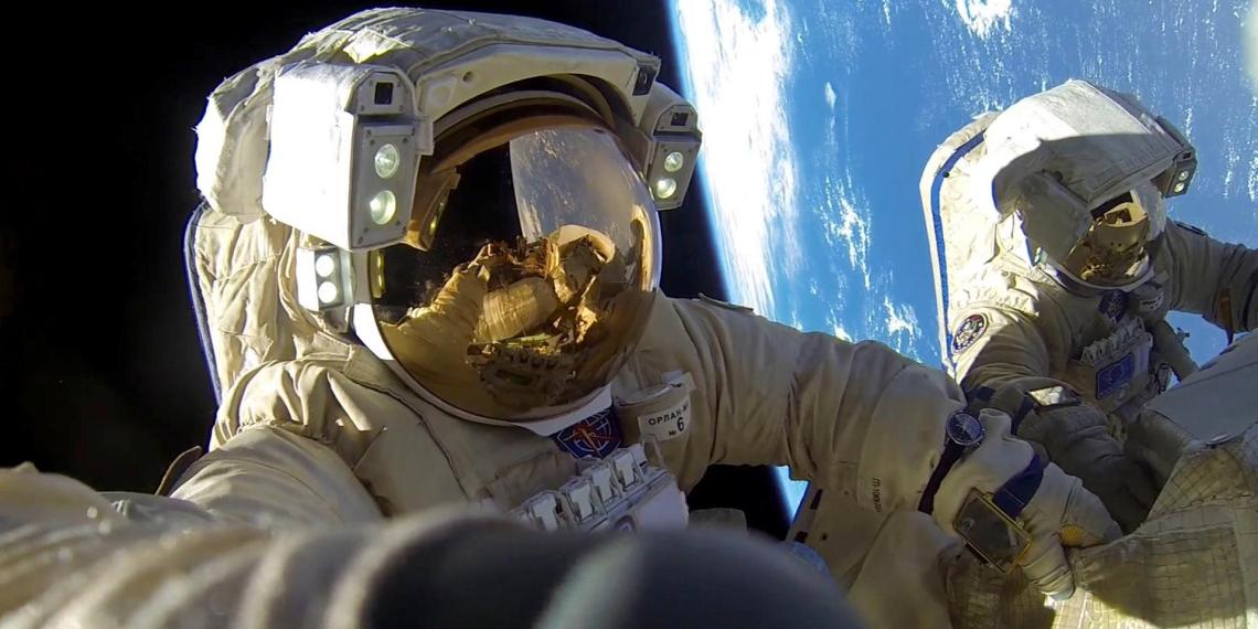 NASA научит астронавтов стирать в космосе