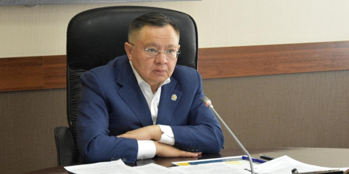 Министр строительства заявил о нехватке 1,2 млн строителей в России