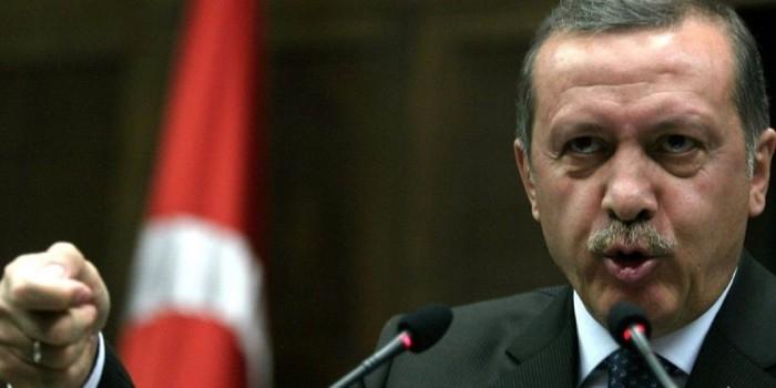 Эрдоган пригрозил ЕС беженцами из-за отказа принимать Турцию