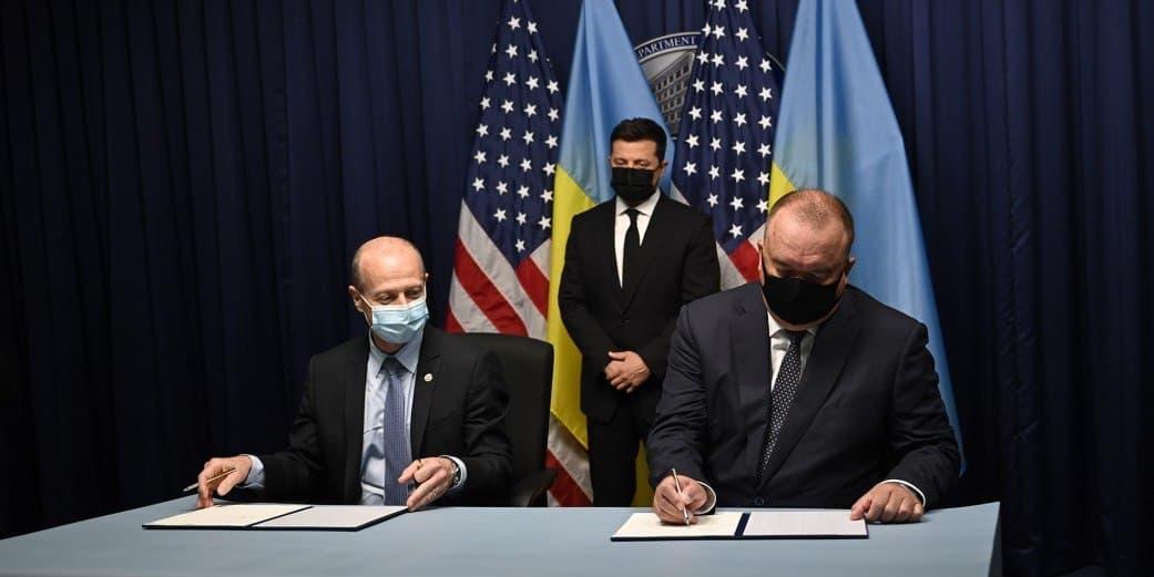 Зеленский подписал меморандум на $30 млрд с Westinghouse Electric, которая в 2017 году подала на банкротство