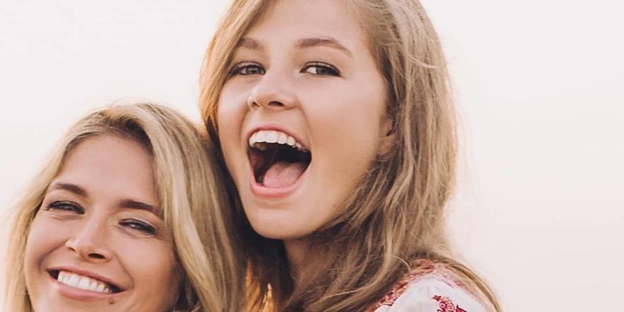"""""""Какие мамашки, такие и дети!"""": 18-летняя дочь Веры Брежневой показала свою грудь"""