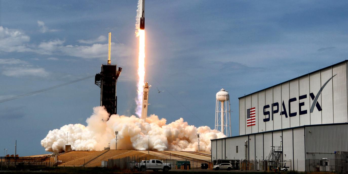 SpaceX отправила на МКС корабль с муравьями и мороженым
