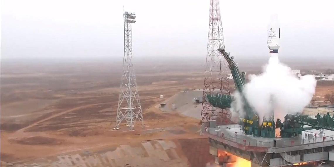 """Ракета """"Союз"""" успешно стартовала с Байконура с 38 иностранными спутниками"""