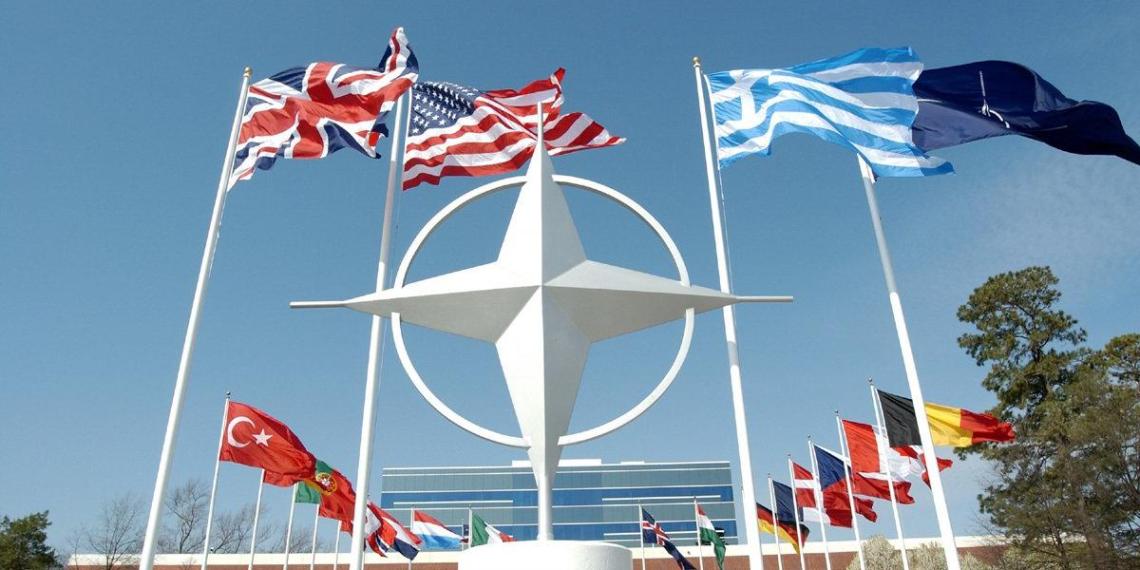 НАТО не считает возможным вести дела с Россией как обычно