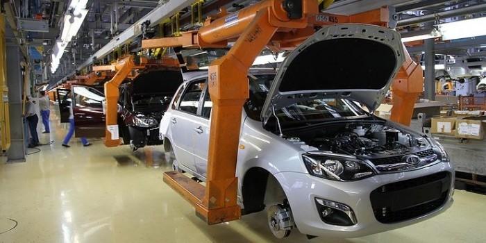 Популярность российским автомобилям обеспечили силовики