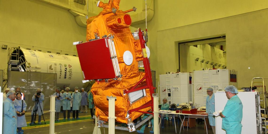 Роскосмос потратит 2,5 млрд на спутники зондирования