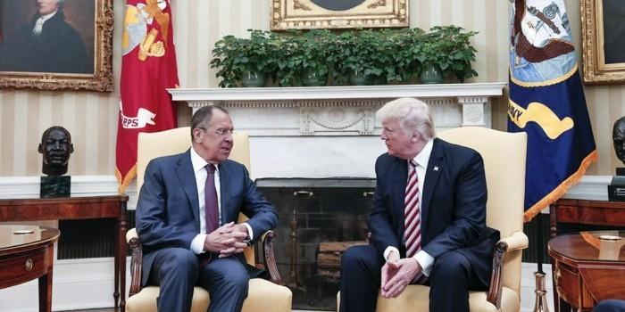 Washington Post узнал о передаче Трампом Лаврову секретных данных об ИГ