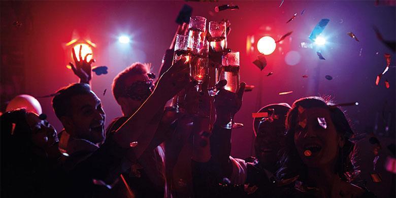 Российским чиновникам запретили участвовать в подпольных новогодних вечеринках