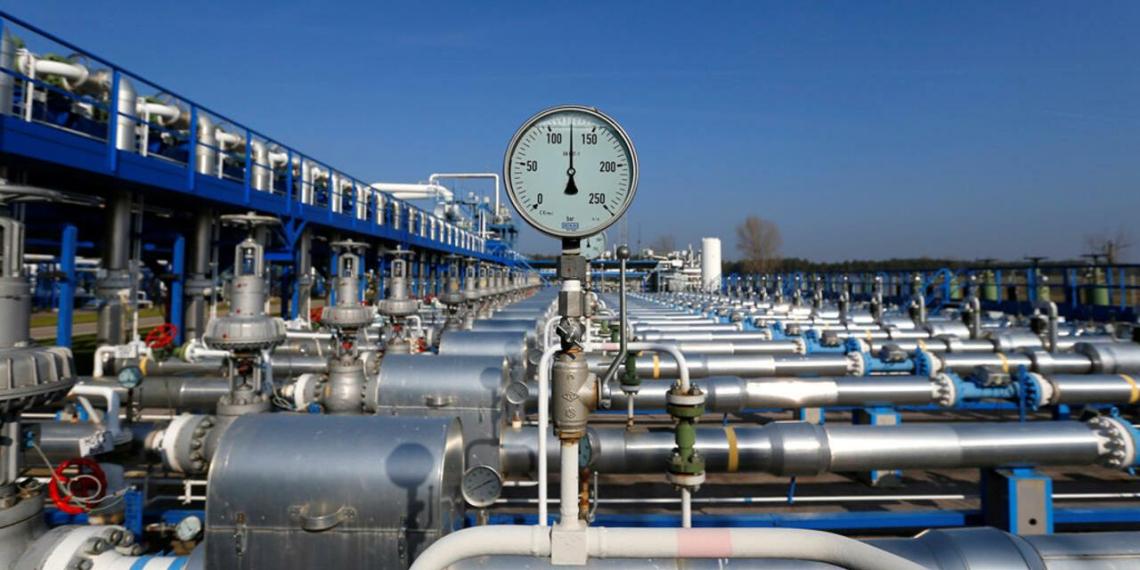 Отбор газа из хранилищ в Европе почти превысил объемы закачки