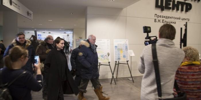 В Ельцин-центре обвинили Михалкова в игре на камеру