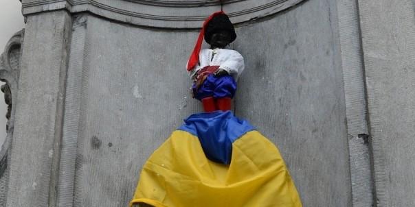 """Ко дню независимости Украины """"писающий мальчик"""" в Брюсселе станет киевским князем"""