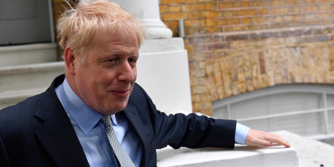 """Джонсон объяснил, почему провокация с эсминцем в российских водах """"законна"""""""