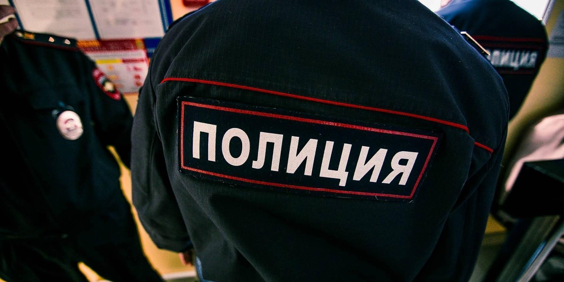Троих астраханских полицейских арестовали за фальсификацию дела о наркопритоне