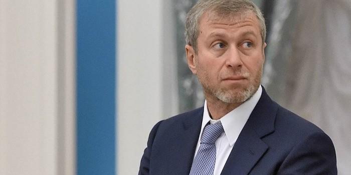"Абрамович переоформил на себя часть акций ""Первого канала"""