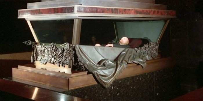 В РПЦ назвали несвоевременным перезахоронение Ленина