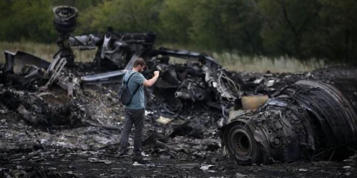 Российских экспертов отстранили от расследования катастрофы Boeing 777 на Донбассе