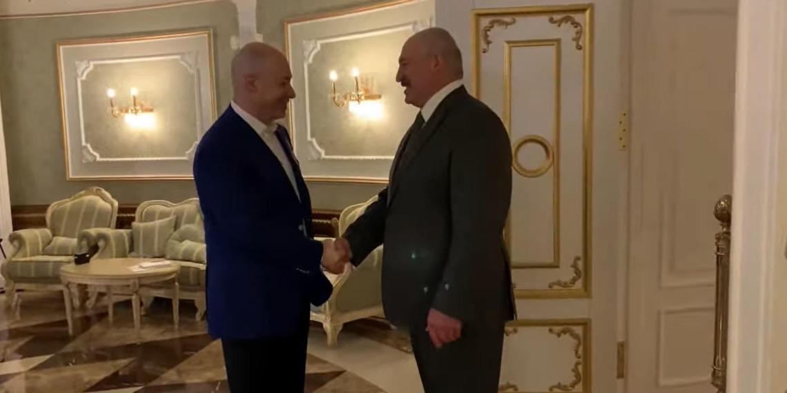 """Лукашенко - Гордону: """"Я бы воевал за Крым - тысячи бы легли"""""""