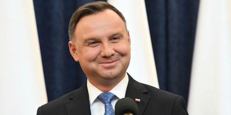 Пранкеры поговорили с президентом Польши о возврате украинских городов