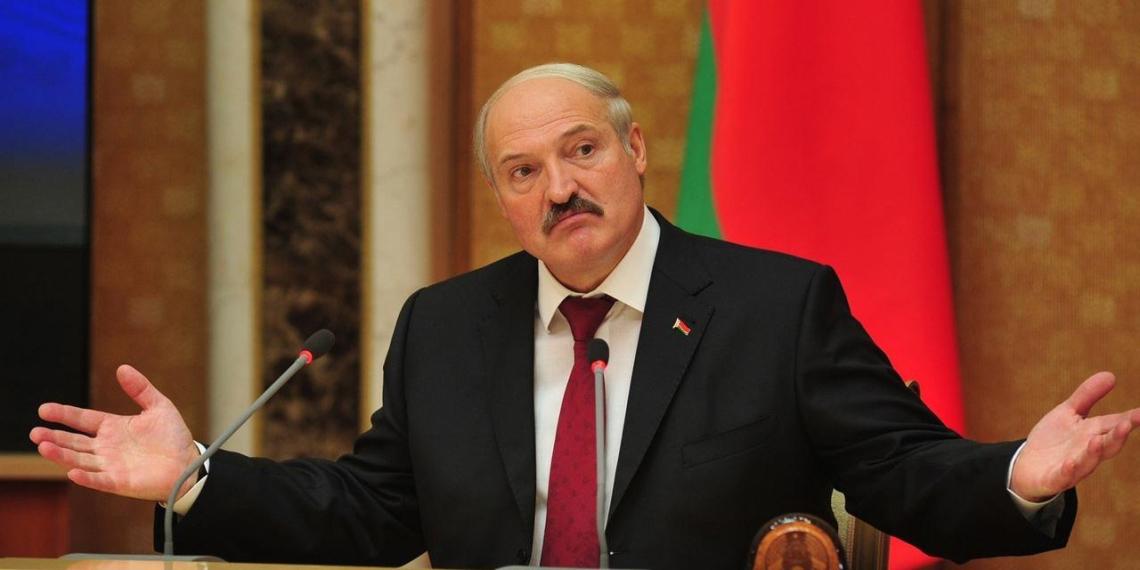 """""""Она рухнет, бедолага"""": Лукашенко высказался о женщине-президенте"""