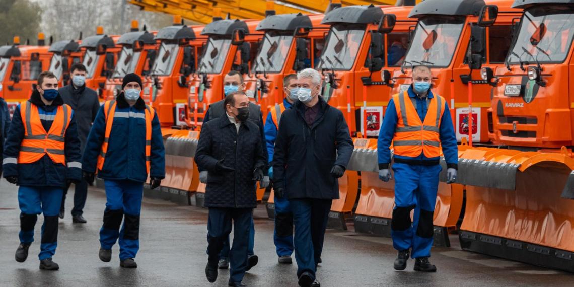 Собянин заявил о снижении числа мигрантов в Москве на 40%