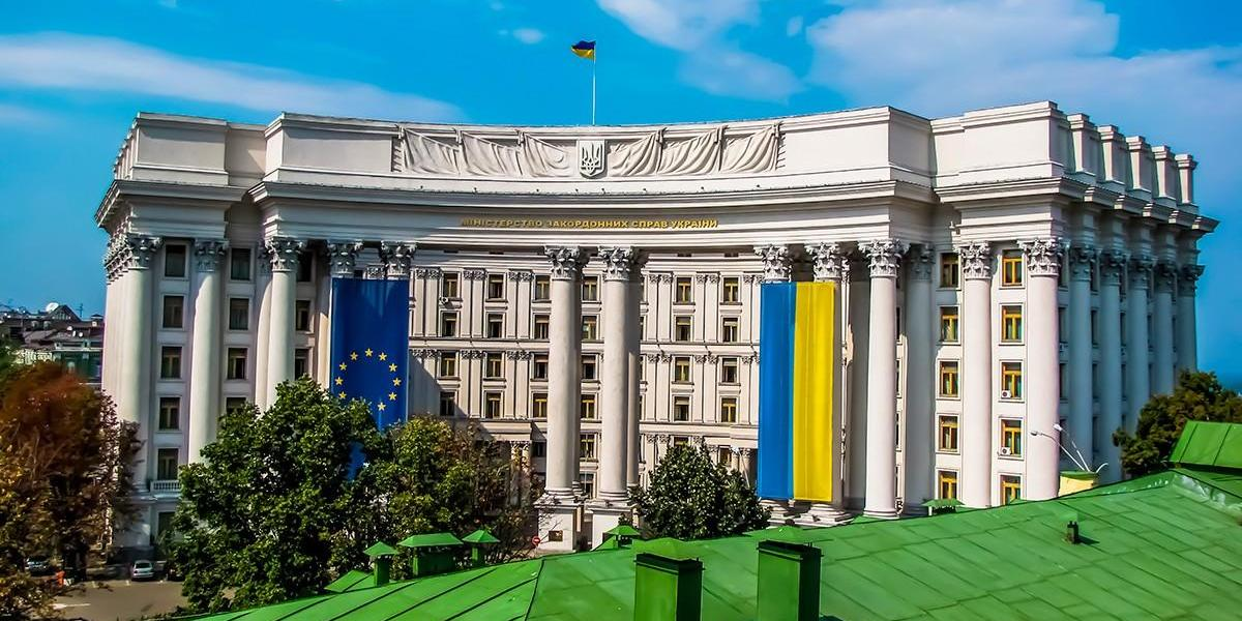 """Украина обвинила Россию в """"краже"""" радиочастот и собралась в суд"""