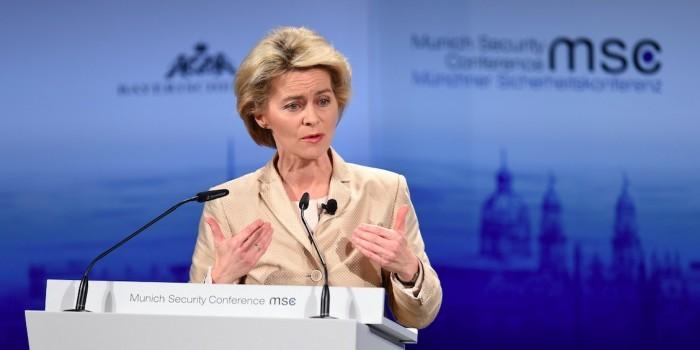 Министр обороны Германии ответила на обвинения Трампа в долгах перед НАТО