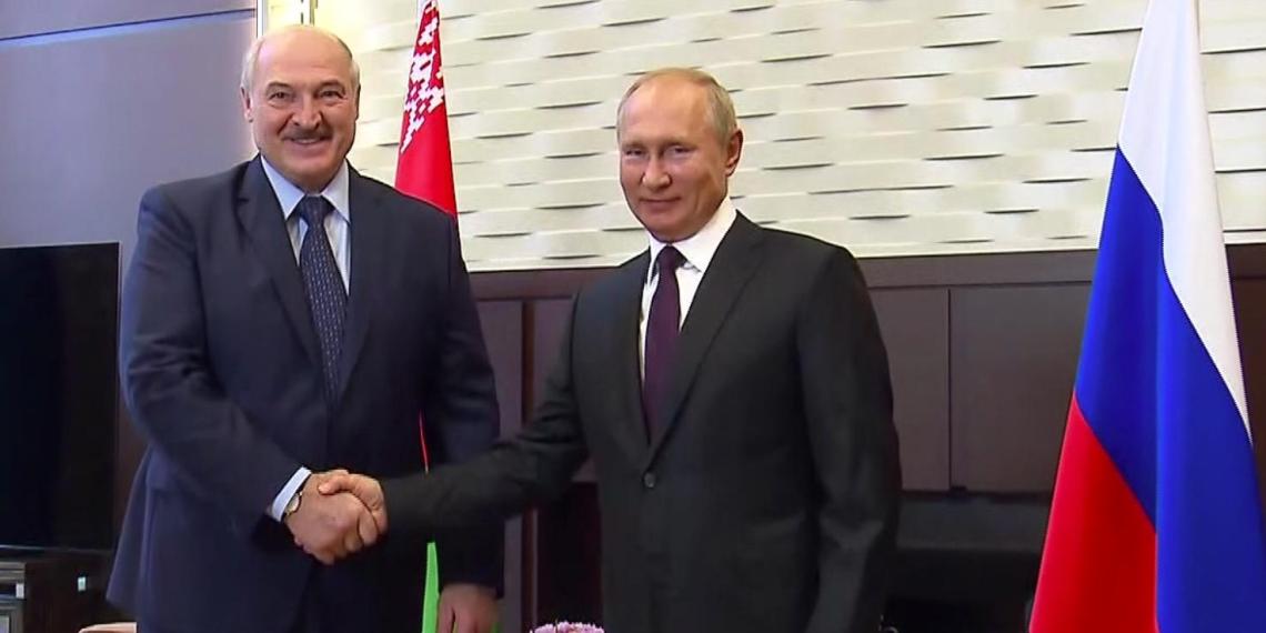 Президент России назвал братскими отношения с Белоруссией
