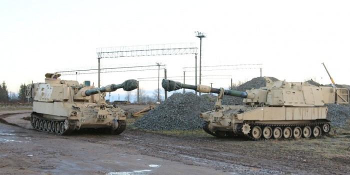 США доставили в Эстонию артиллерийские установки Paladin