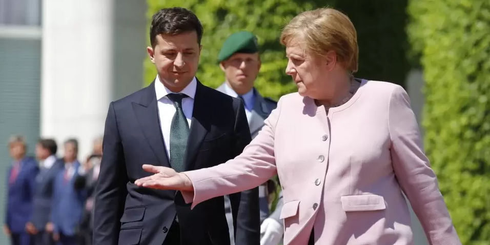 Зеленский попытается убедить Меркель отказаться от почти готового к запуску Северного потока  2
