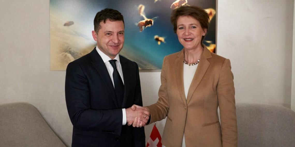 Во время захвата заложников Зеленский призывал швейцарских туристов ехать на Украину