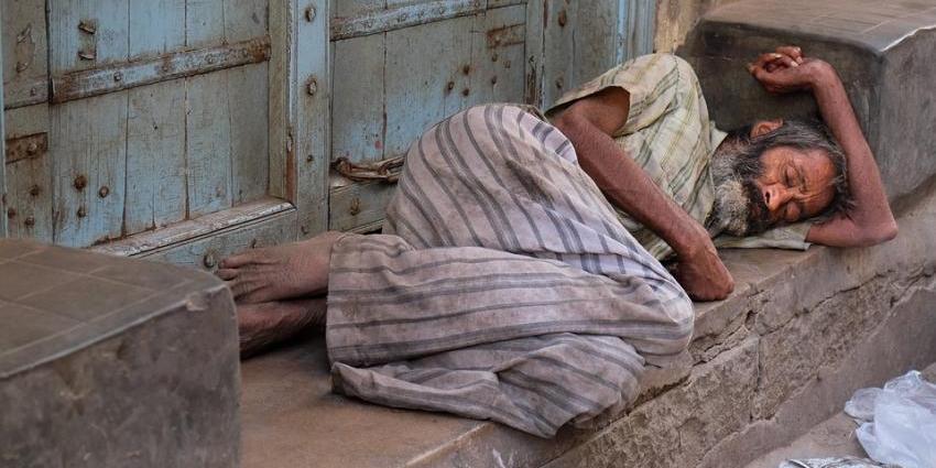В Индии похороненный мужчина вылез из могилы и ворвался в тюрьму