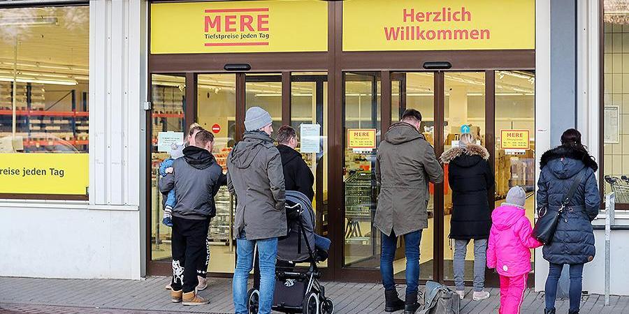 """""""Небывалый ажиотаж"""": немцы за пять дней смели весь товар из нового российского магазина"""