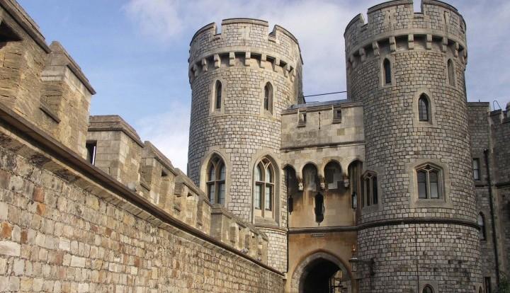Персонал Виндзорского замка угрожает Елизавете Второй забастовкой