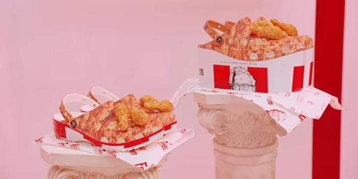 KFC выпустил сандалии с запахом жареной курицы